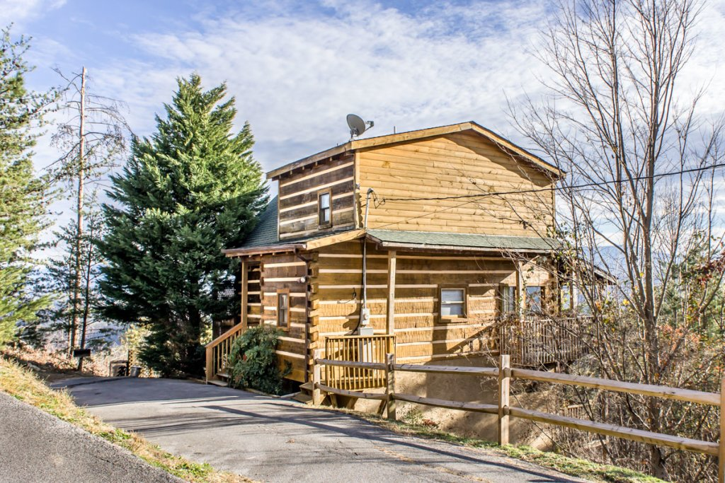 Photo of a Pigeon Forge Cabin named Halleluia - This is the twenty-sixth photo in the set.