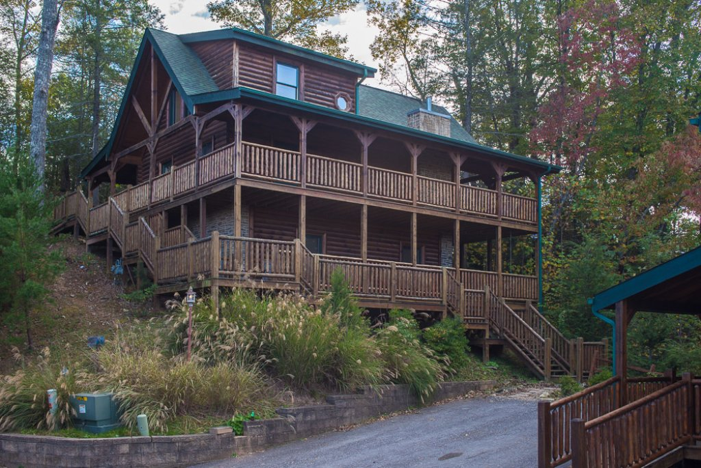 Photo of a Gatlinburg Cabin named Angels Rest - This is the first photo in the set.