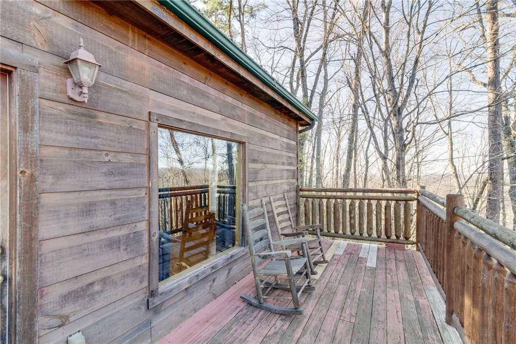 Photo of a Gatlinburg Cabin named Bearfoot Lodge - This is the twenty-first photo in the set.
