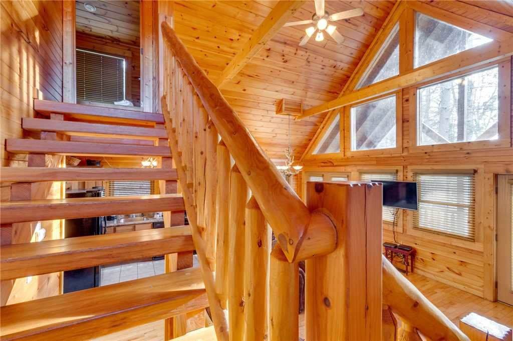 Photo of a Gatlinburg Cabin named Angels Rest - This is the fourteenth photo in the set.