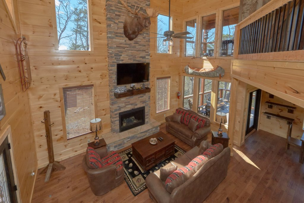 Photo of a Gatlinburg Cabin named Copper Creek Lodge - This is the twelfth photo in the set.