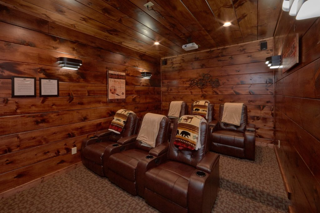 Photo of a Gatlinburg Cabin named Copper Creek Lodge - This is the twenty-sixth photo in the set.