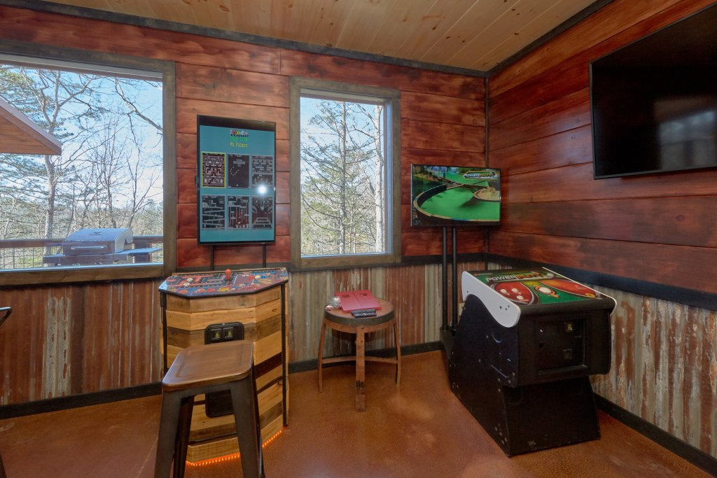 Photo of a Gatlinburg Cabin named Copper Creek Lodge - This is the twenty-fifth photo in the set.