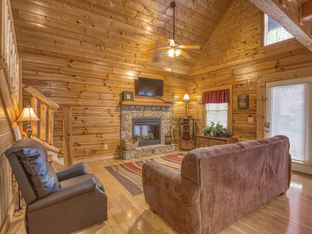 Photo of a Pigeon Forge Cabin named Amazing Grace #264 - This is the sixteenth photo in the set.