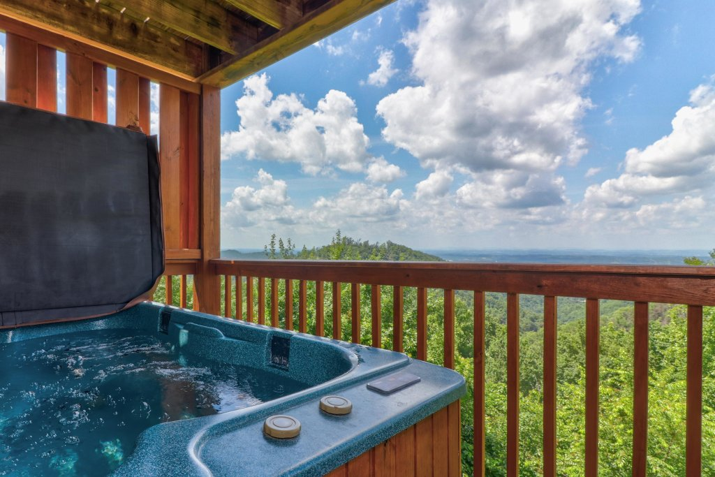 Photo of a Pigeon Forge Cabin named Sky View - This is the second photo in the set.