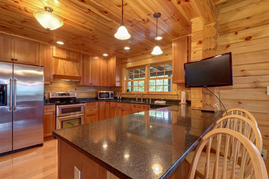 Photo of a Sevierville Cabin named Mountain Top Mansion - This is the sixth photo in the set.