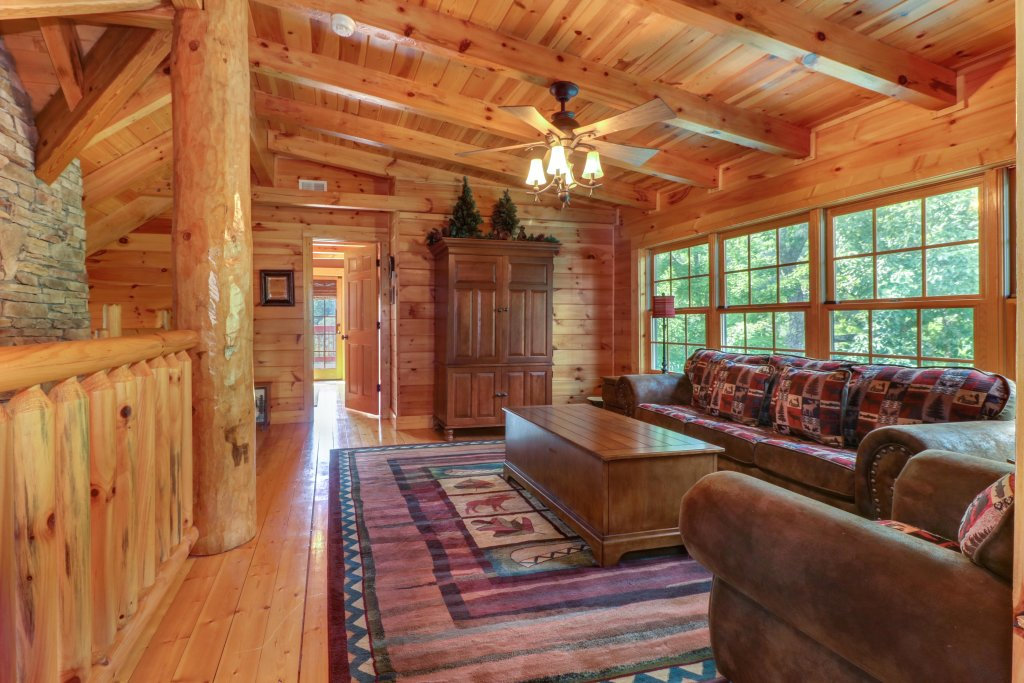Photo of a Sevierville Cabin named Mountain Top Mansion - This is the fifteenth photo in the set.