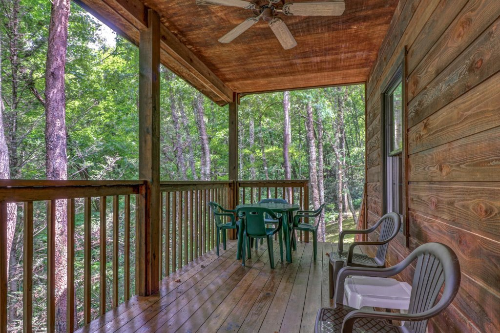 Photo of a Sevierville Cabin named Eagle's Nest - This is the twenty-fifth photo in the set.