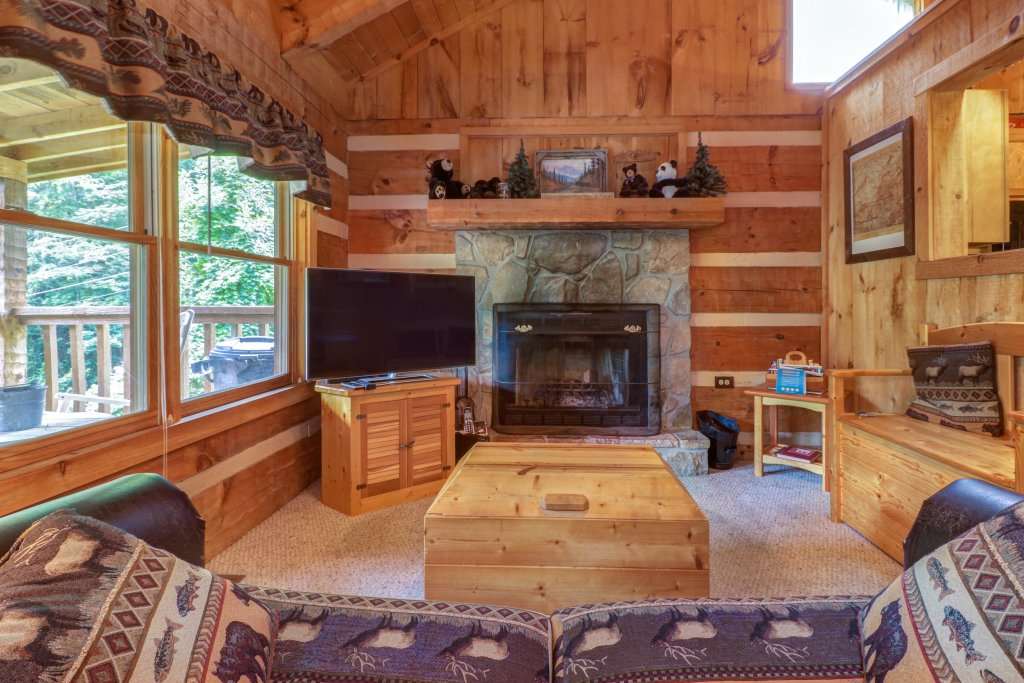 Photo of a Sevierville Cabin named Bears Heaven - This is the twentieth photo in the set.