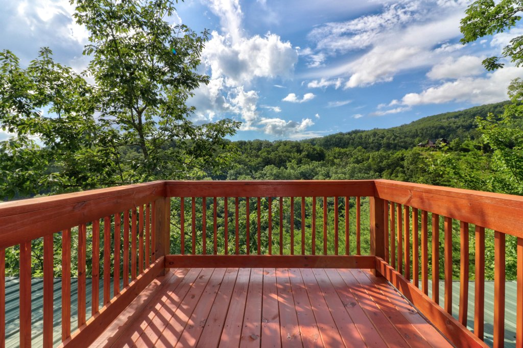 Photo of a Sevierville Cabin named Mountain Top Mansion - This is the twentieth photo in the set.