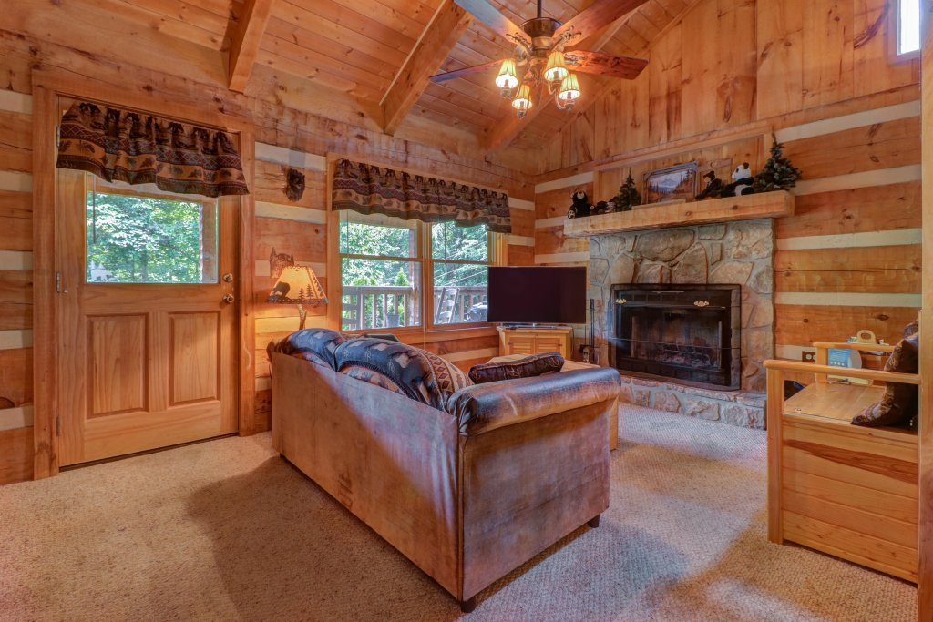 Photo of a Sevierville Cabin named Bears Heaven - This is the seventeenth photo in the set.