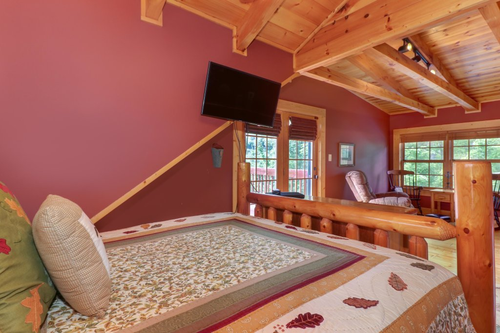 Photo of a Sevierville Cabin named Mountain Top Mansion - This is the nineteenth photo in the set.