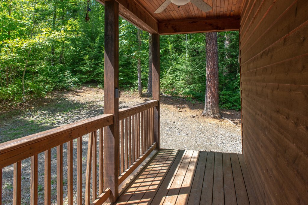 Photo of a Sevierville Cabin named Cabin Fever - This is the fortieth photo in the set.