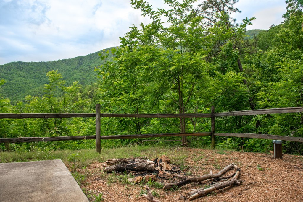 Photo of a Sevierville Cabin named Altitude Adjustment - This is the seventh photo in the set.