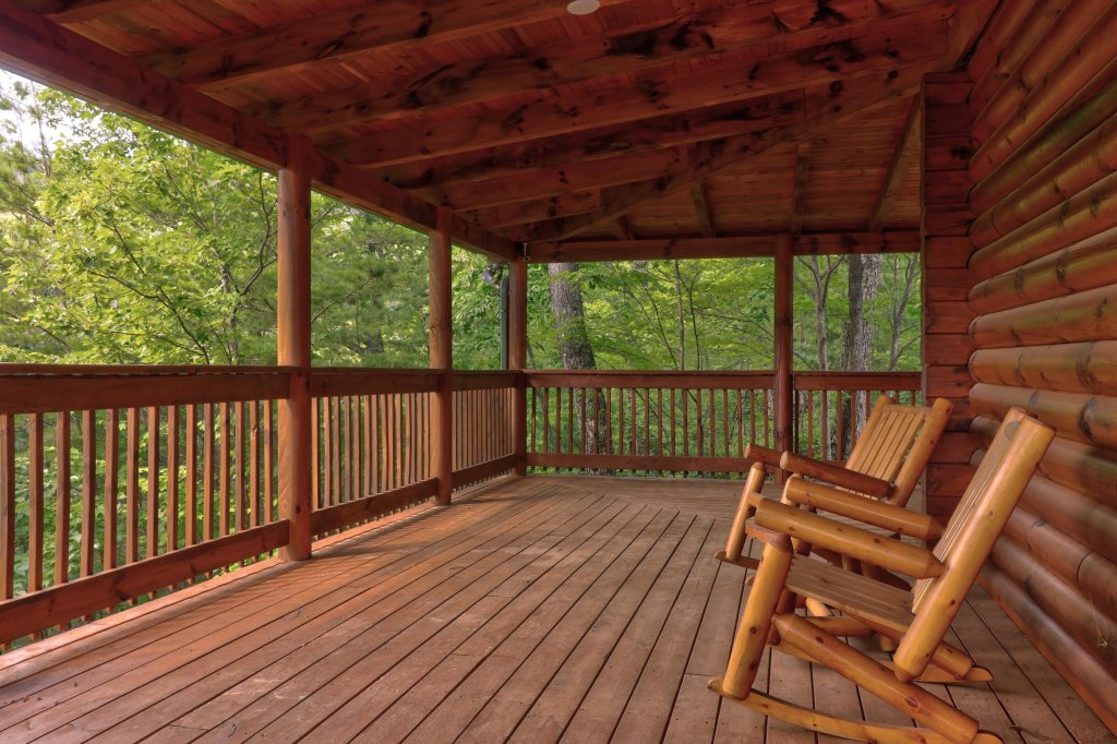 Photo of a Sevierville Cabin named Mountain Top Mansion - This is the thirty-fifth photo in the set.