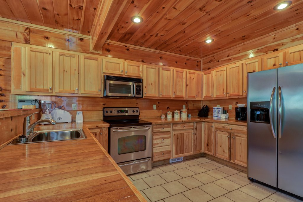 Photo of a Sevierville Cabin named Just For Fun - This is the seventh photo in the set.