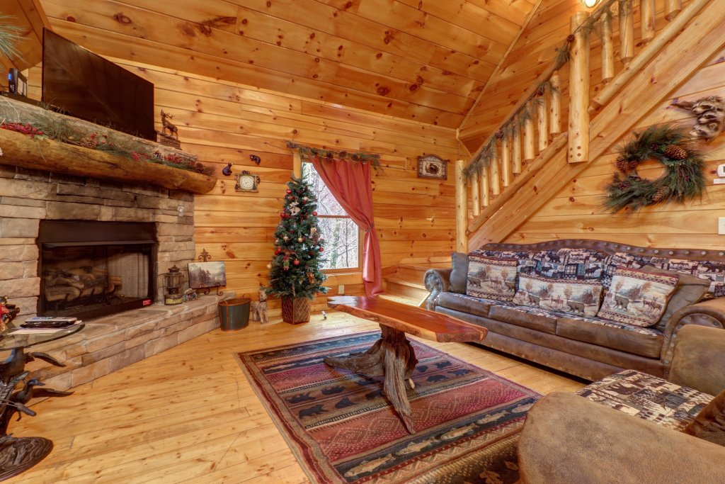 Photo of a Gatlinburg Cabin named Hillybill's Hideout - This is the sixth photo in the set.