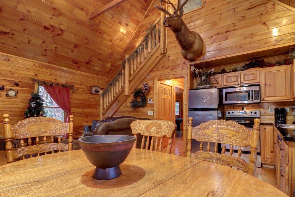 Photo of a Gatlinburg Cabin named Hillybill's Hideout - This is the ninth photo in the set.