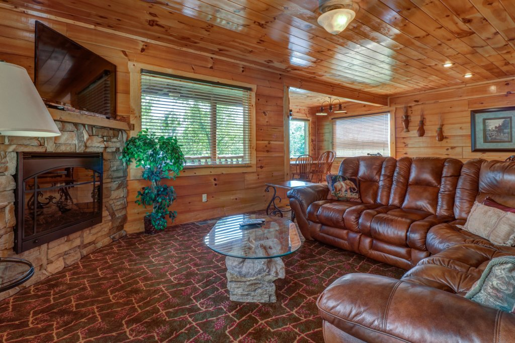 Photo of a Sevierville Cabin named Just For Fun - This is the second photo in the set.