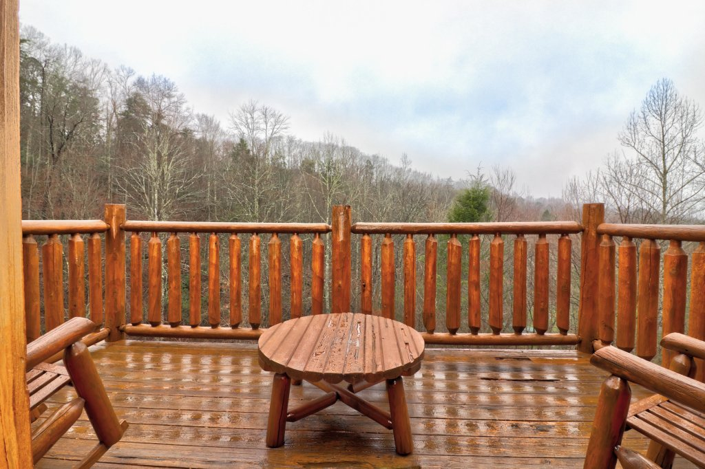 Photo of a Gatlinburg Cabin named Hillybill's Hideout - This is the twenty-second photo in the set.