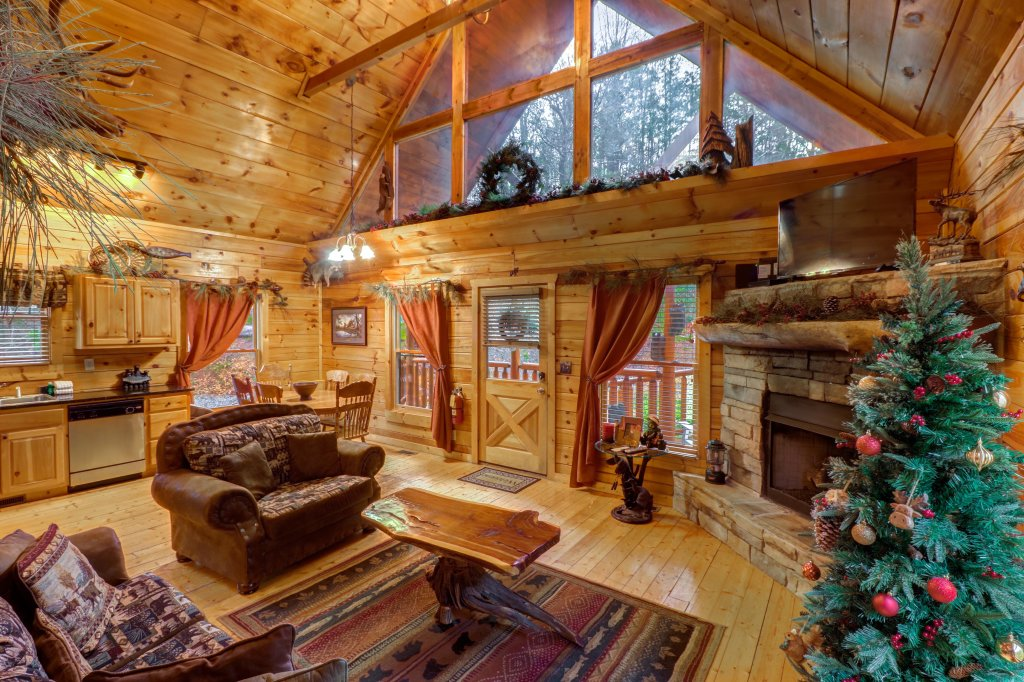 Photo of a Gatlinburg Cabin named Hillybill's Hideout - This is the fifth photo in the set.
