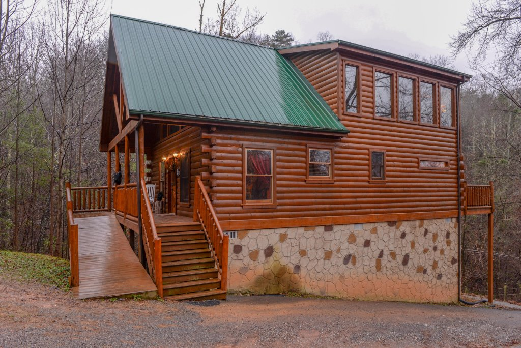 Photo of a Gatlinburg Cabin named Hillybill's Hideout - This is the twenty-seventh photo in the set.