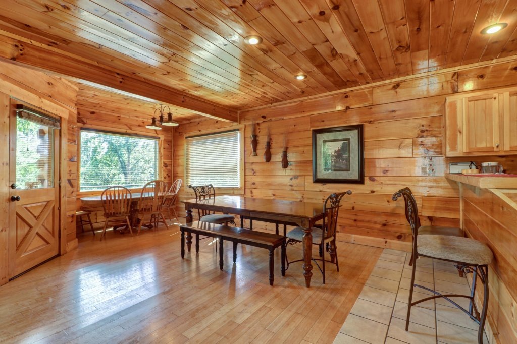 Photo of a Sevierville Cabin named Just For Fun - This is the third photo in the set.