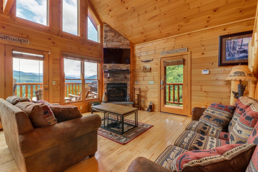 Photo of a Sevierville Cabin named Soaring Vista Cabin - This is the ninth photo in the set.