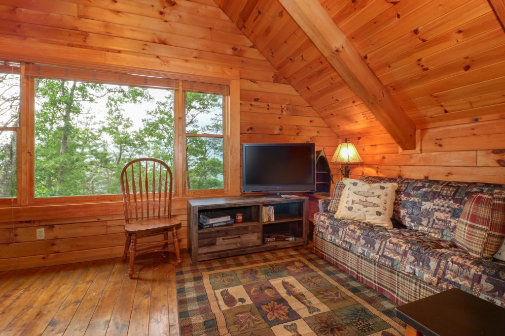 Photo of a Sevierville Cabin named Evergreen - This is the fifth photo in the set.