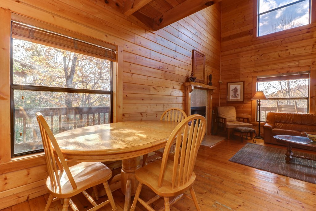 Photo of a Pigeon Forge Cabin named Cloud 9 - This is the fifteenth photo in the set.