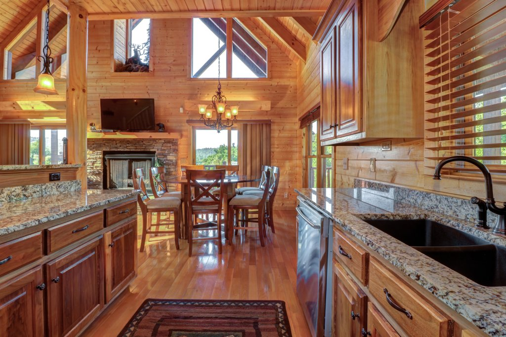 Photo of a Sevierville Cabin named Bear Valley Lodge - This is the fortieth photo in the set.