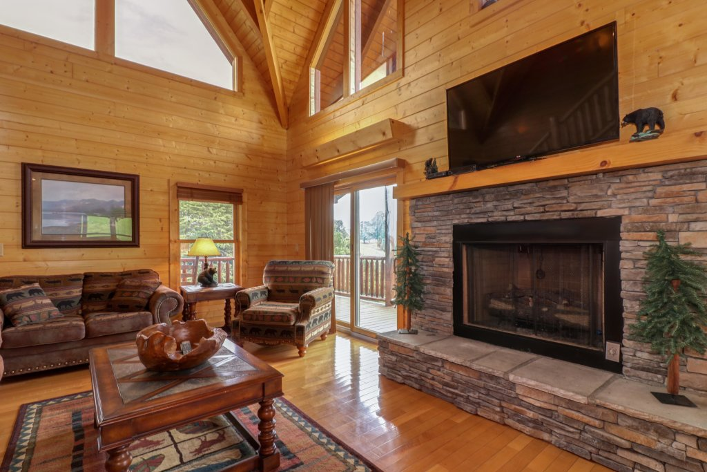 Photo of a Sevierville Cabin named Bear Valley Lodge - This is the fifth photo in the set.