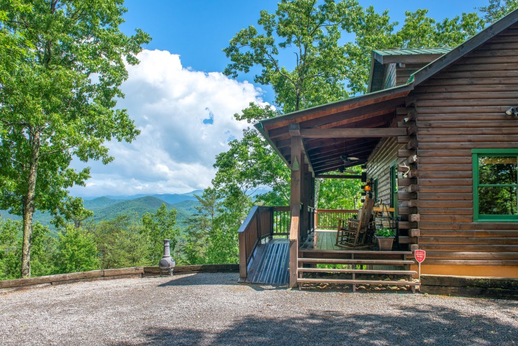 Photo of a Sevierville Cabin named Evergreen - This is the thirtieth photo in the set.