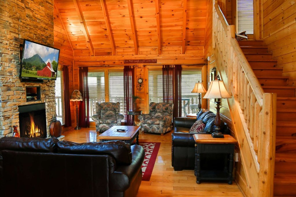 Photo of a Pigeon Forge Cabin named Southern Sky - This is the third photo in the set.
