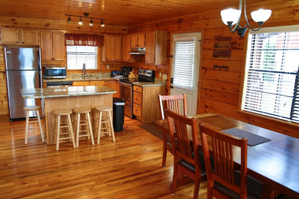 Photo of a Pigeon Forge Cabin named Falcons View - This is the ninth photo in the set.