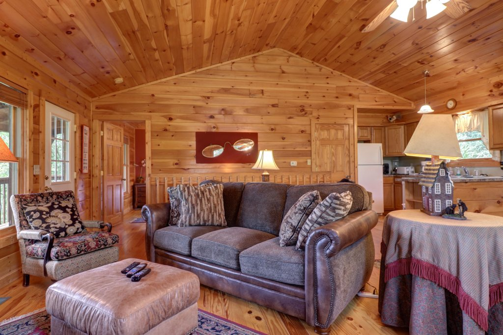 Photo of a Pigeon Forge Cabin named 20/20 View - This is the sixth photo in the set.