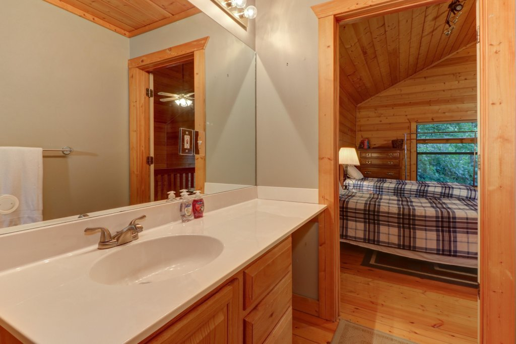 Photo of a Pigeon Forge Cabin named Cloud 9 - This is the sixth photo in the set.