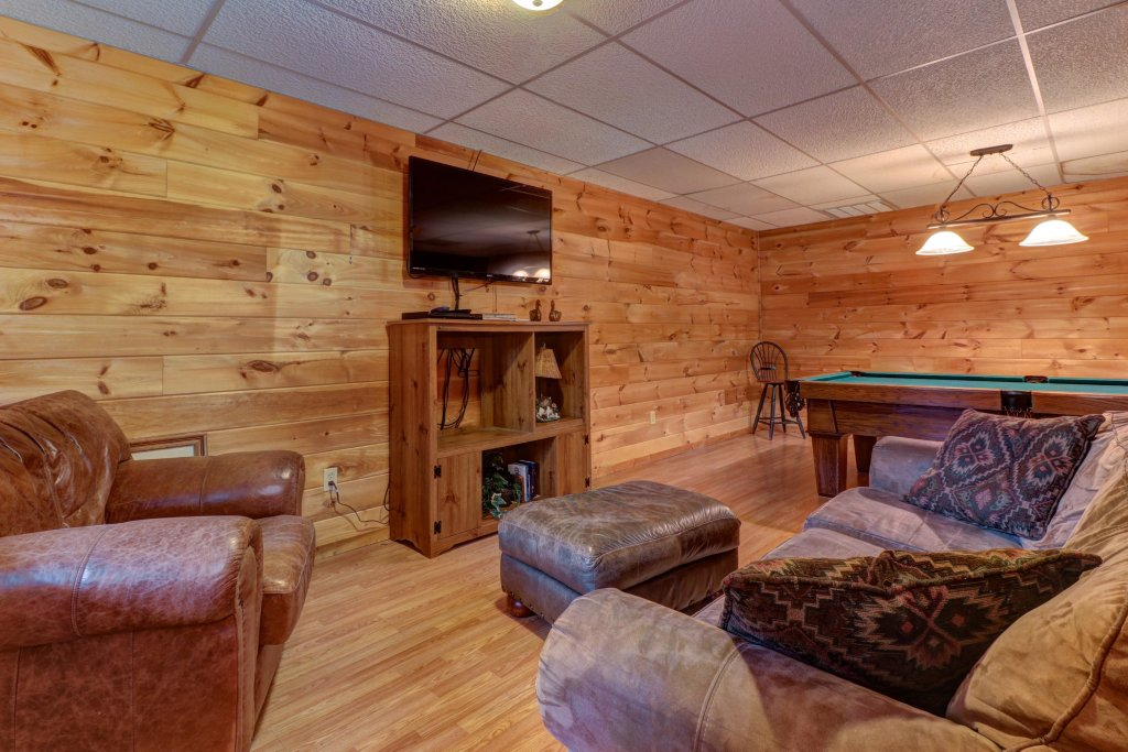 Photo of a Pigeon Forge Cabin named 20/20 View - This is the first photo in the set.