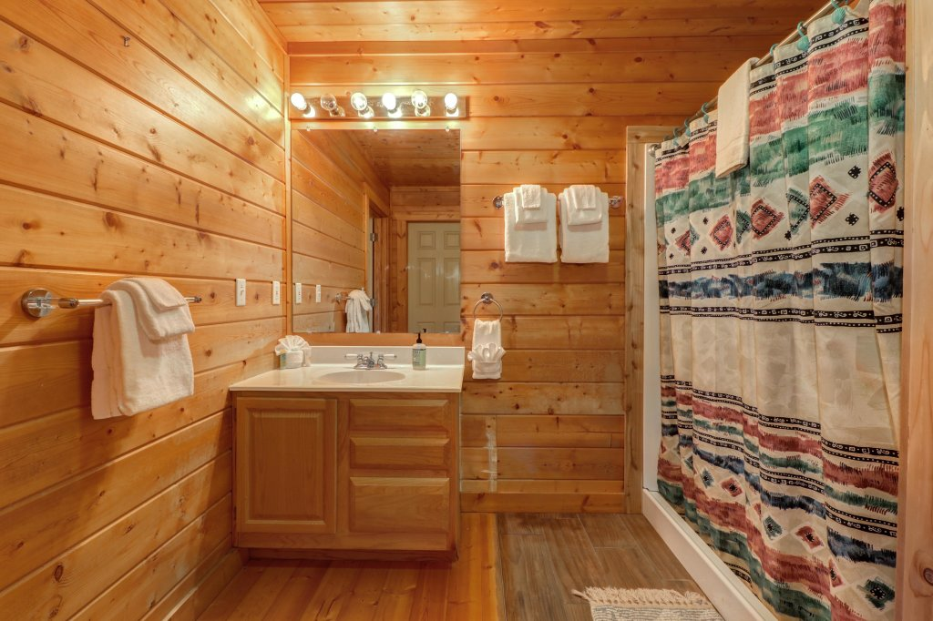 Photo of a Pigeon Forge Cabin named Cloud 9 - This is the twenty-second photo in the set.
