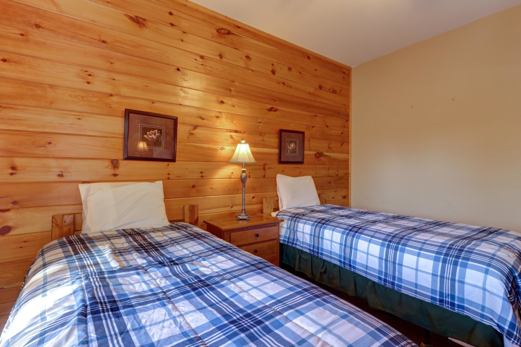 Photo of a Pigeon Forge Cabin named 20/20 View - This is the forty-seventh photo in the set.