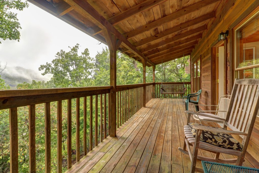 Photo of a Pigeon Forge Cabin named 20/20 View - This is the eighth photo in the set.