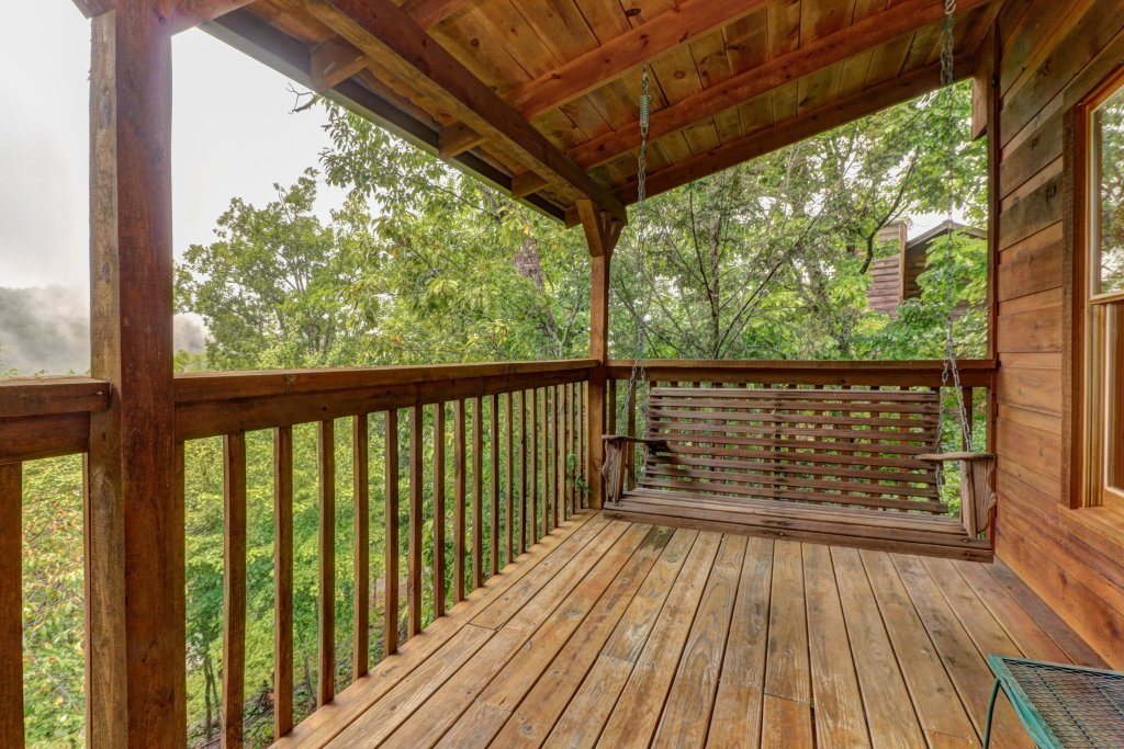 Photo of a Pigeon Forge Cabin named 20/20 View - This is the nineteenth photo in the set.