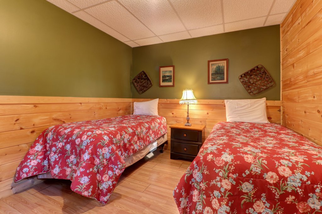 Photo of a Pigeon Forge Cabin named 20/20 View - This is the forty-first photo in the set.
