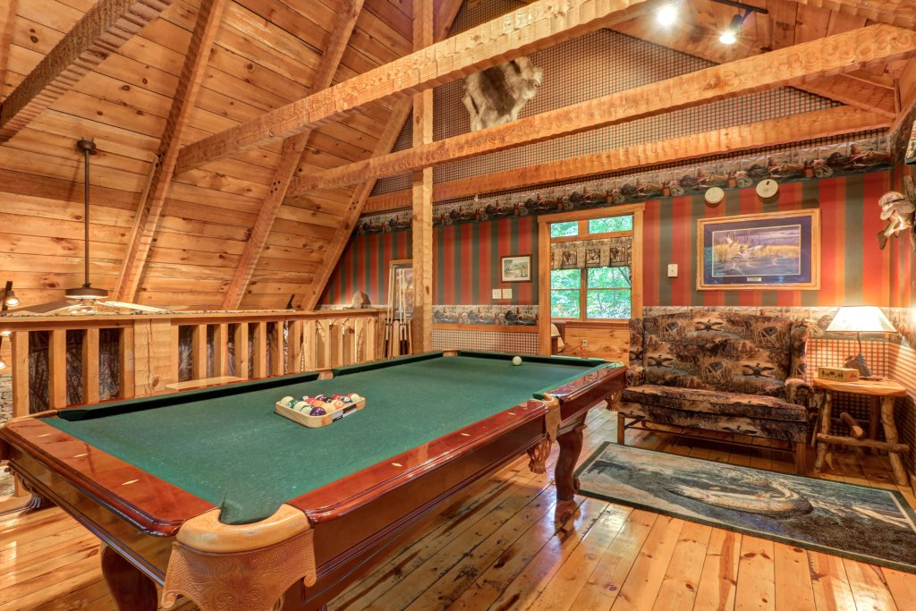 Photo of a Sevierville Cabin named Creekside - This is the fourth photo in the set.