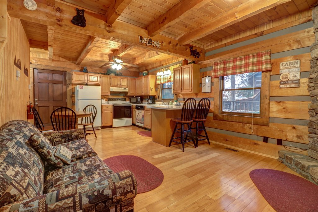 Photo of a Gatlinburg Cabin named Peaceful Pines - This is the twenty-fourth photo in the set.