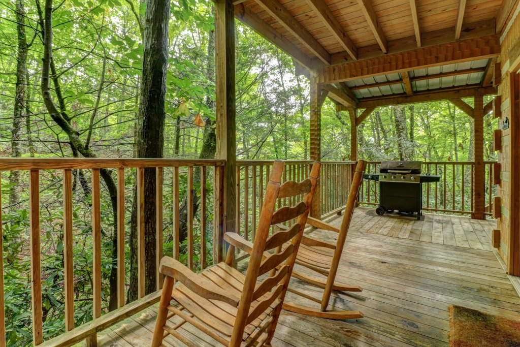 Photo of a Sevierville Cabin named Creekside - This is the seventh photo in the set.
