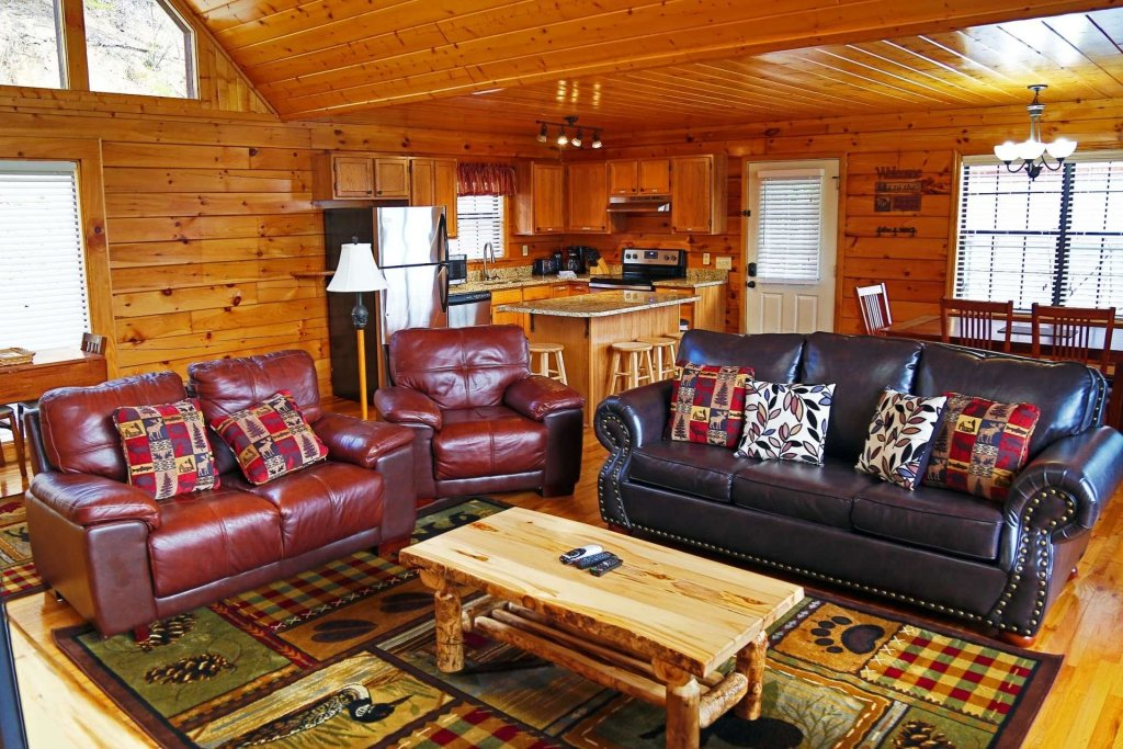 Photo of a Pigeon Forge Cabin named Falcons View - This is the twenty-sixth photo in the set.