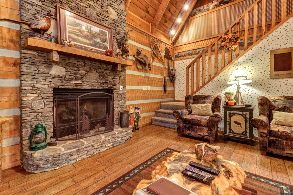 Photo of a Sevierville Cabin named Creekside - This is the third photo in the set.