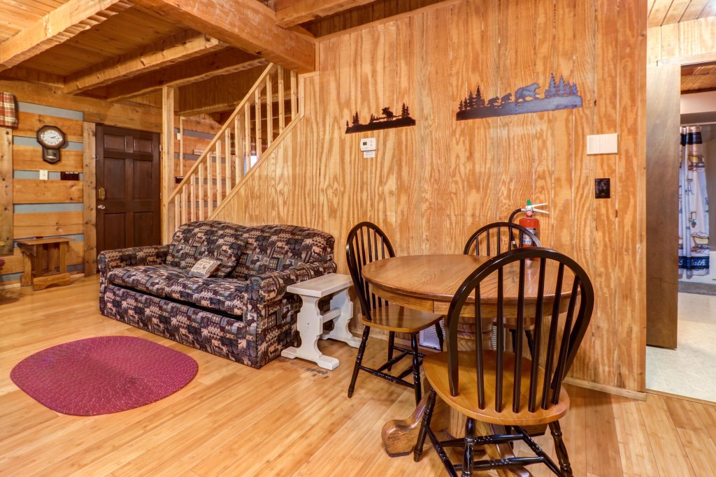 Photo of a Gatlinburg Cabin named Peaceful Pines - This is the twenty-ninth photo in the set.
