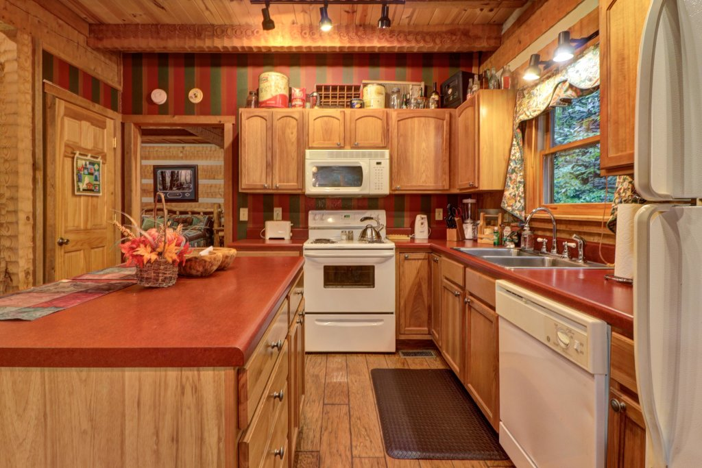 Photo of a Sevierville Cabin named Creekside - This is the thirteenth photo in the set.